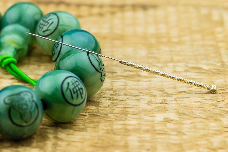 Acupuncture une aiguille