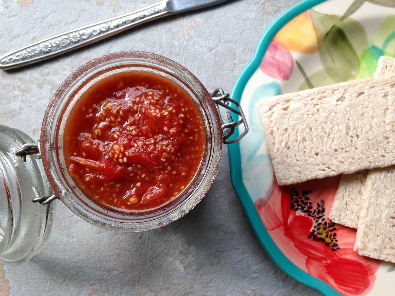 confiture de tomates et craquelins