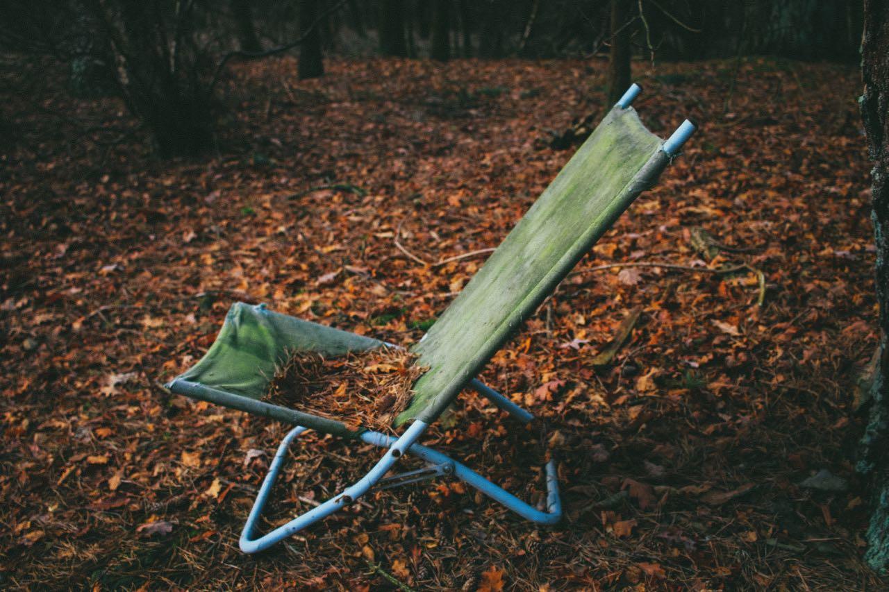 Novembre chaise feuilles