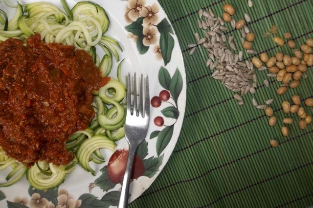 sauce spaghetti sur nouilles