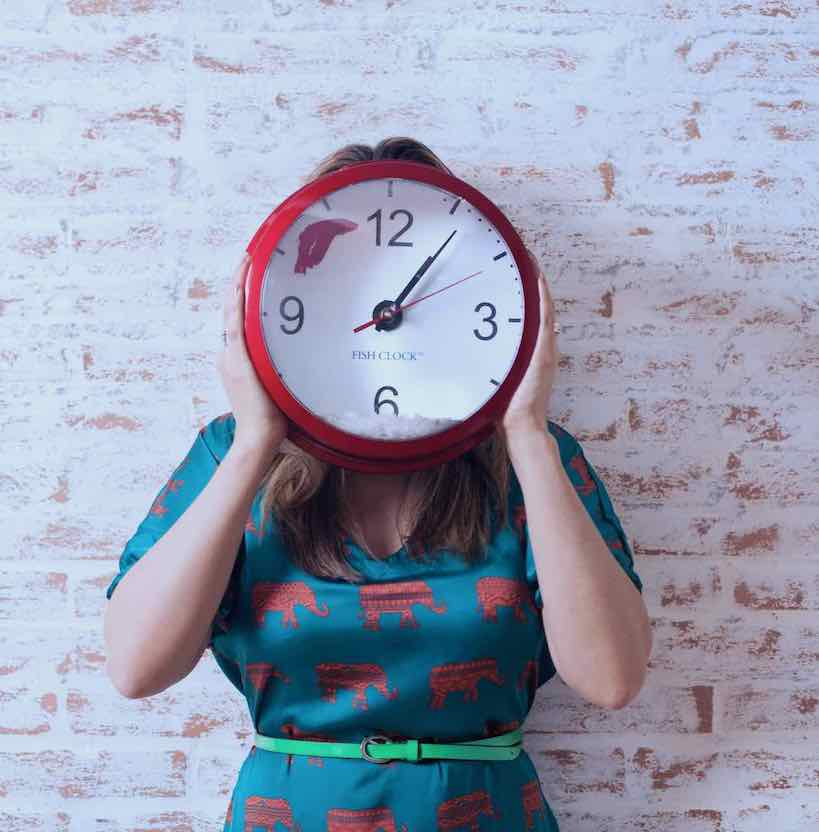 femme horloge stress